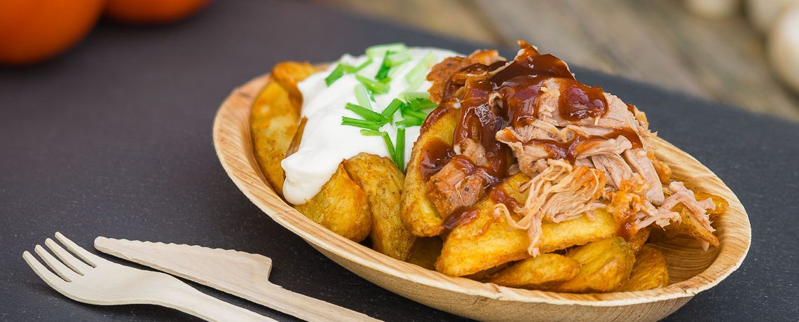 Potato Wedges mit Pulled Pork und BBQ Sauce